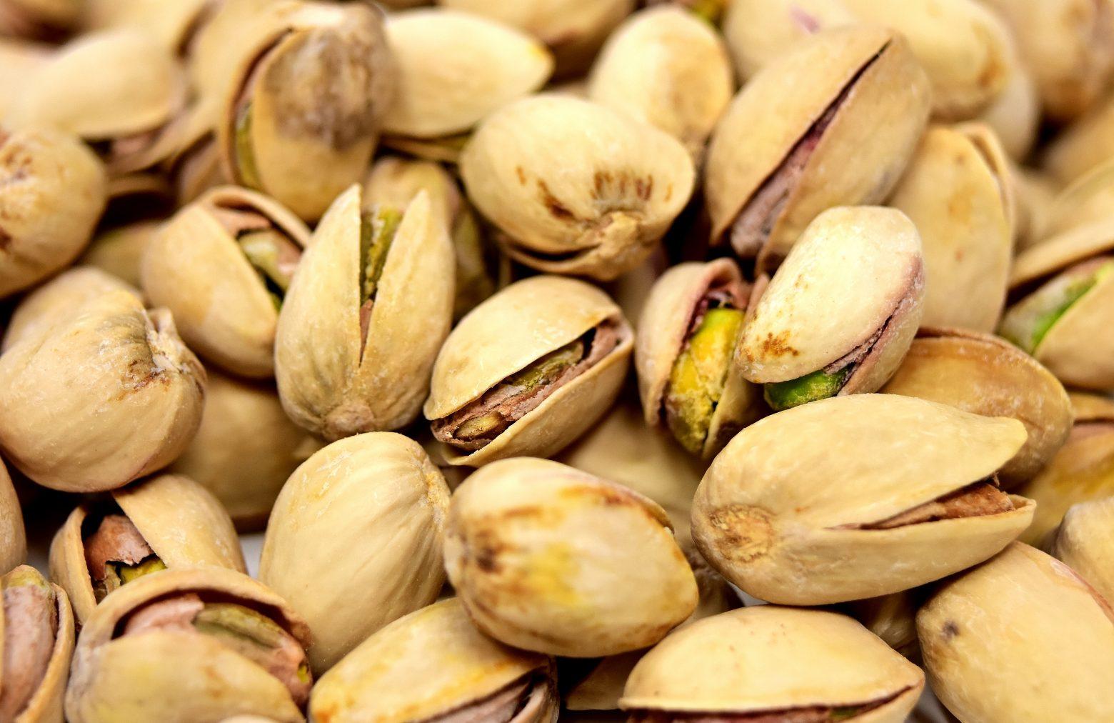 pistachios-3223610