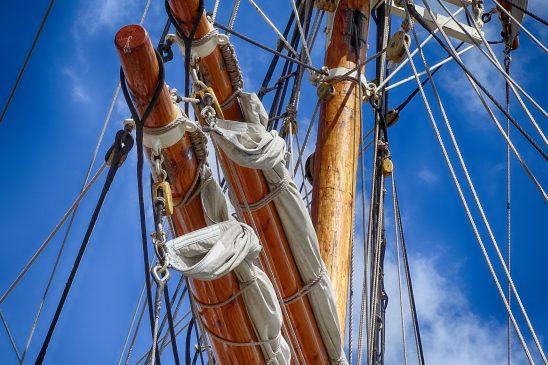 sailing-boat-1527625