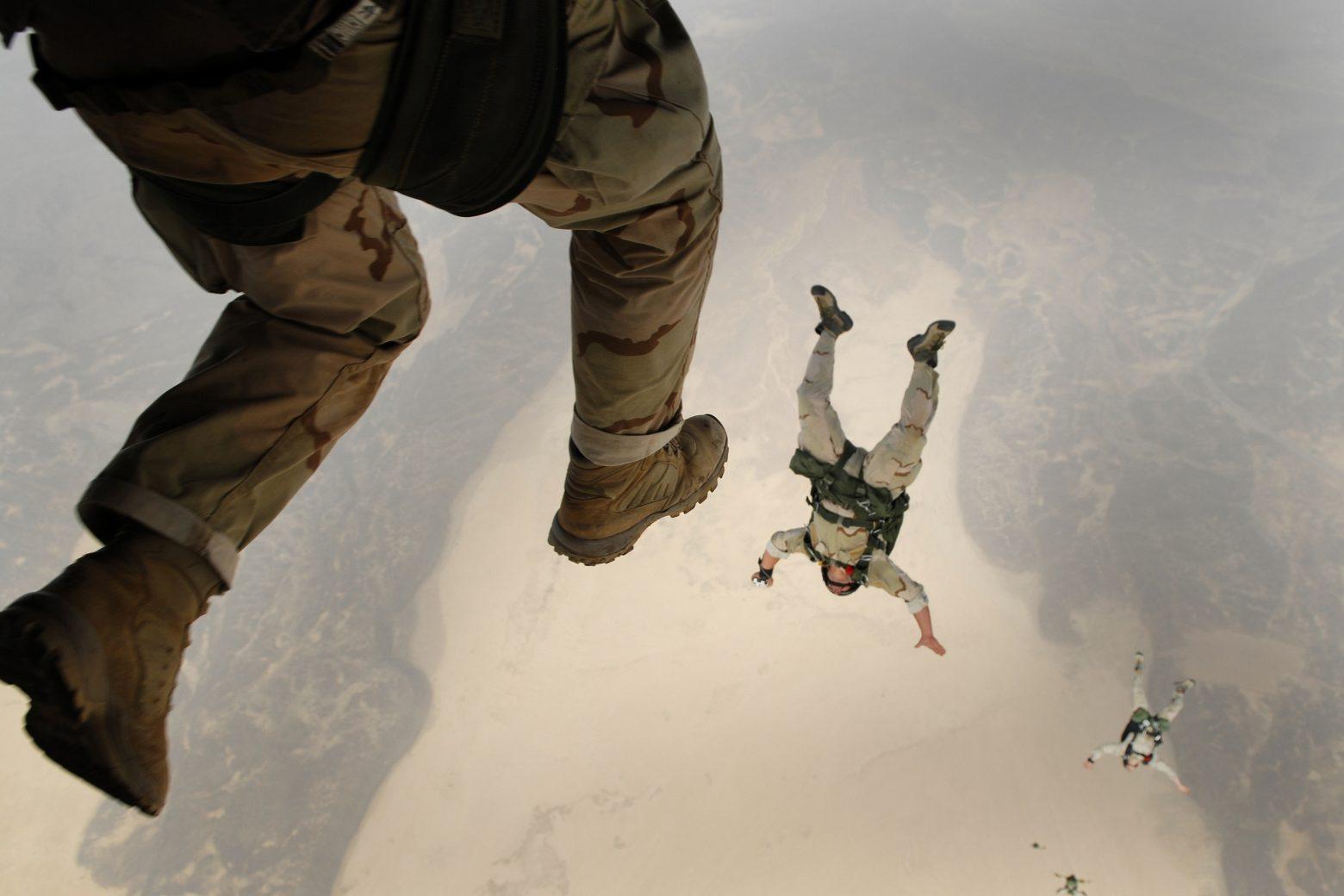 skydiving-658405