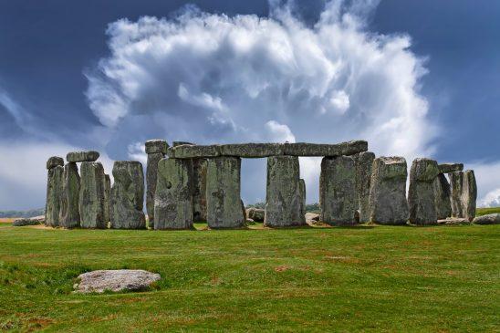 stonehenge-2287980