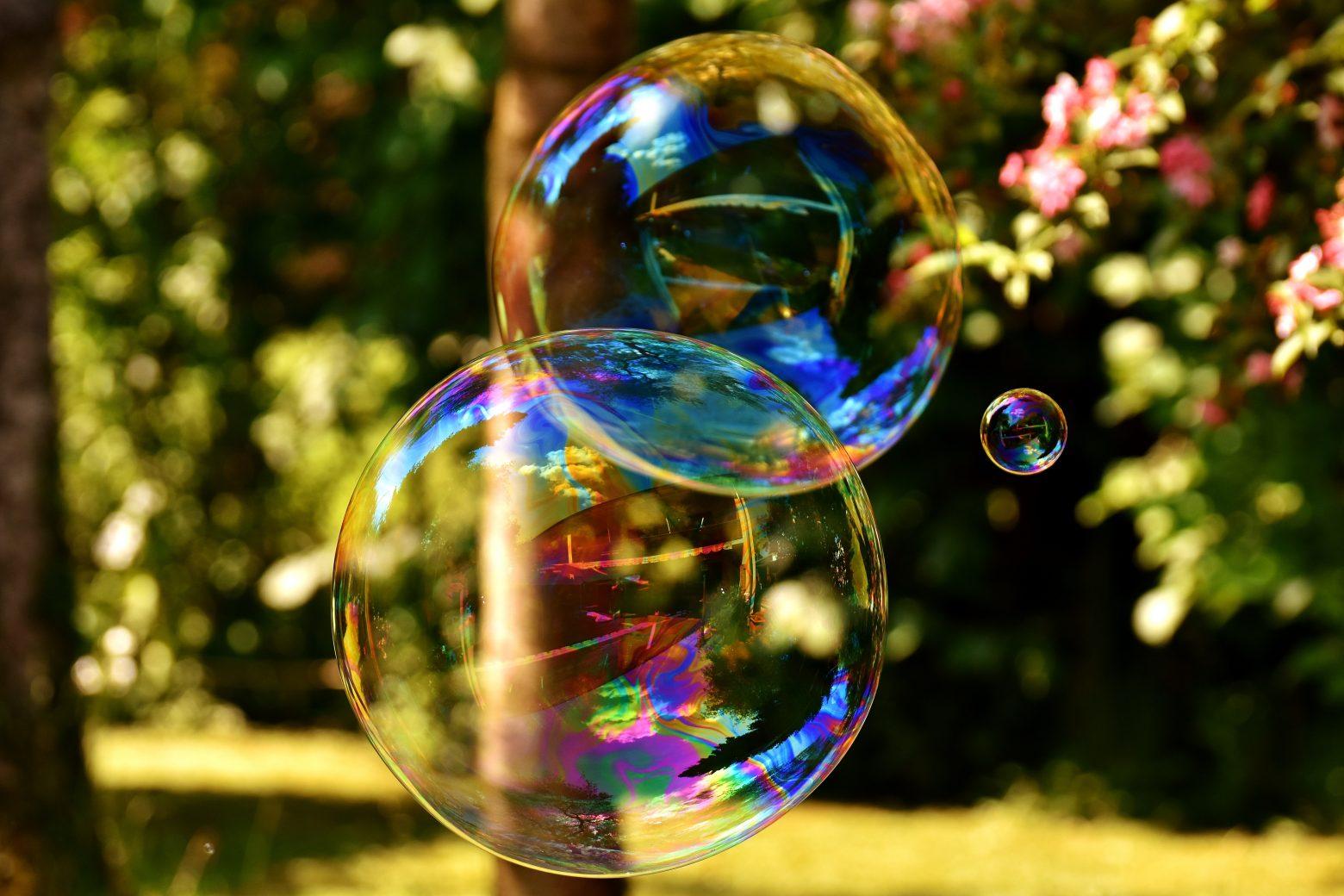 soap-bubble-2403673