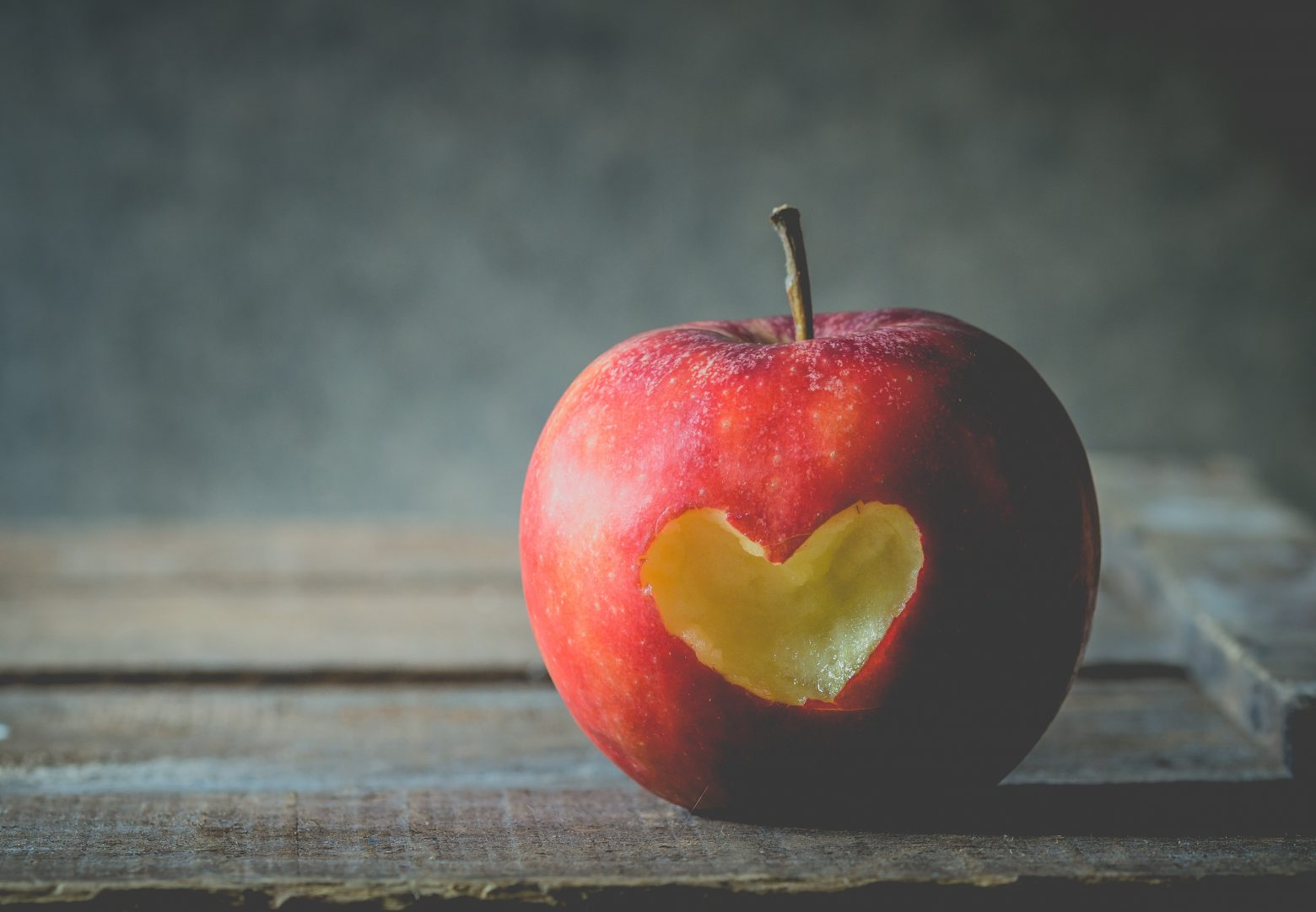 apple-2846296