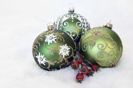 christmas-bauble-2956231