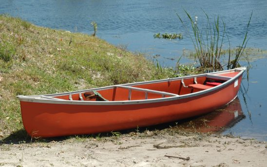 canoe-3019272