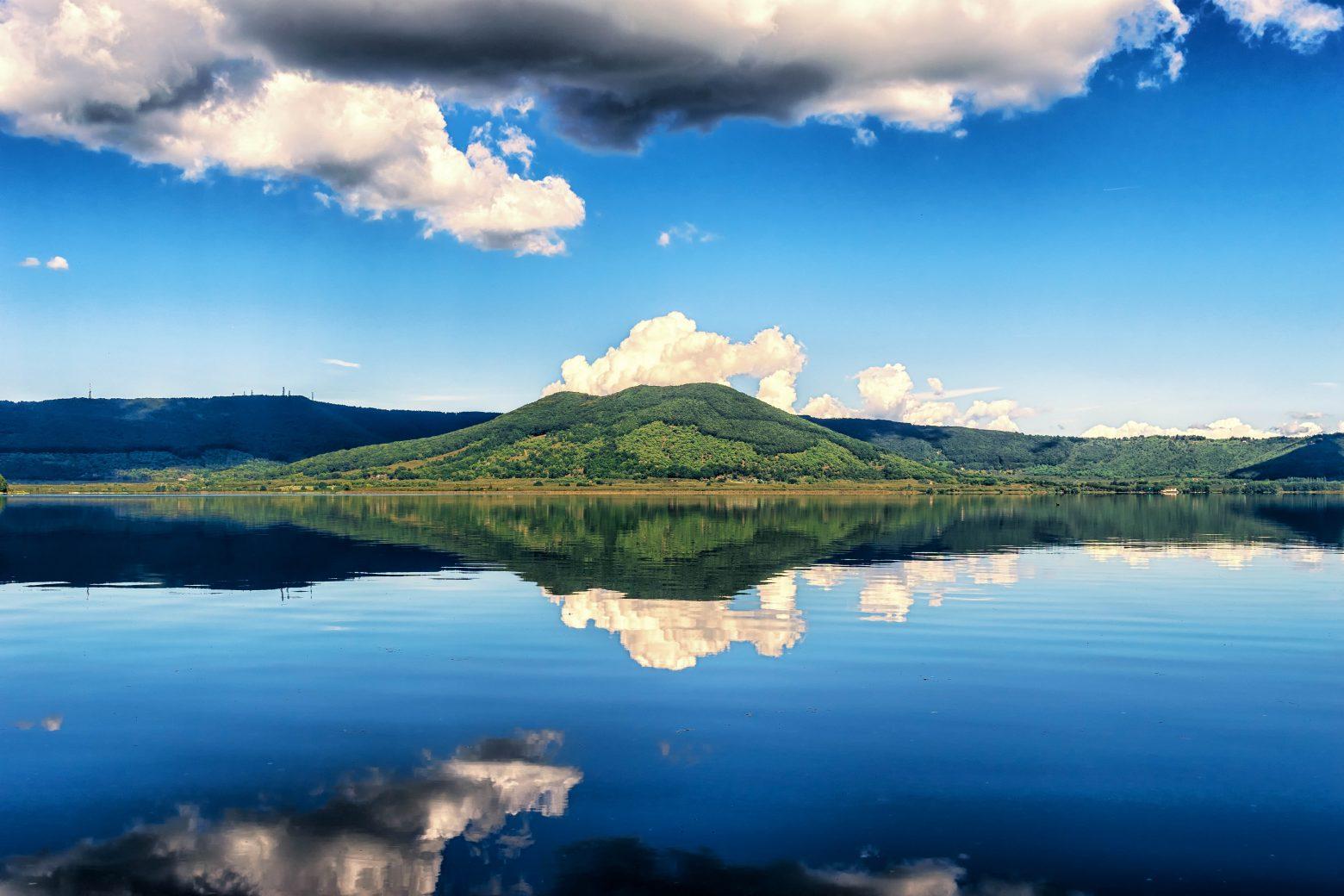 lake-1690027