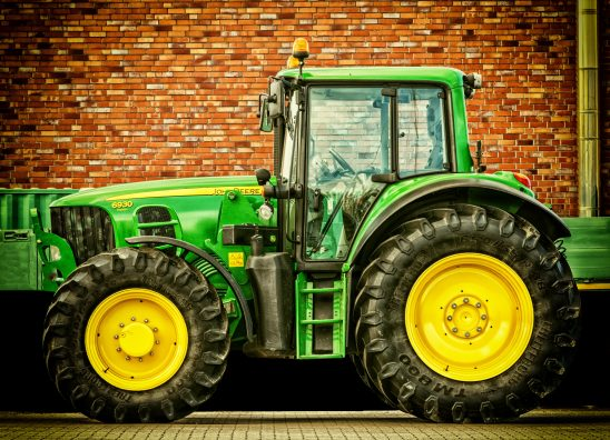 tractor-2077639